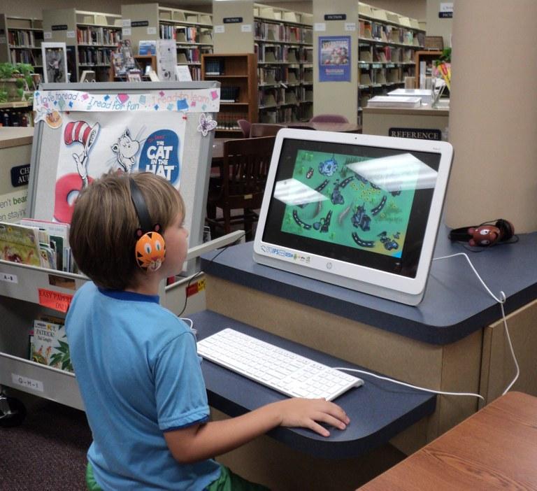FSETX Grant 2015, Kids' computer.JPG